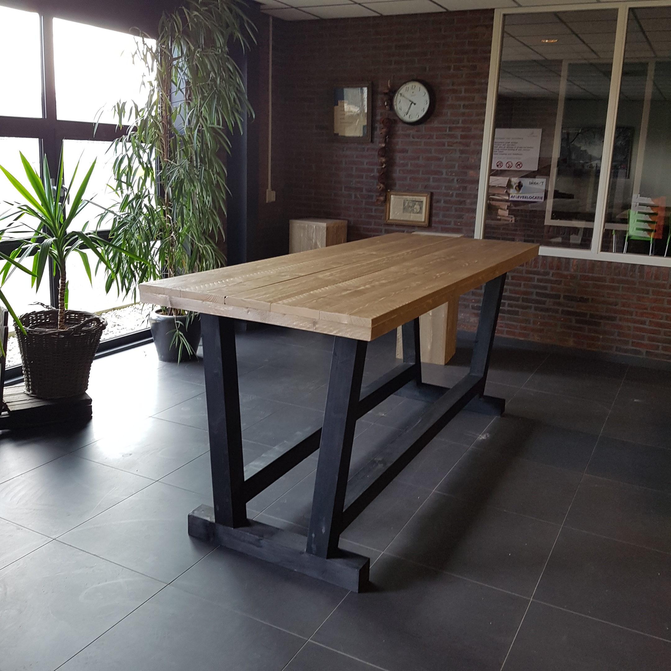 Tafels voor binnen en buiten - Rombout interieur - Meubel maker